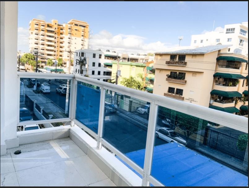 Apartamento en Evaristo Morales en Alquiler